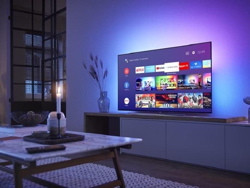 distancia entre el televisor y el sofá